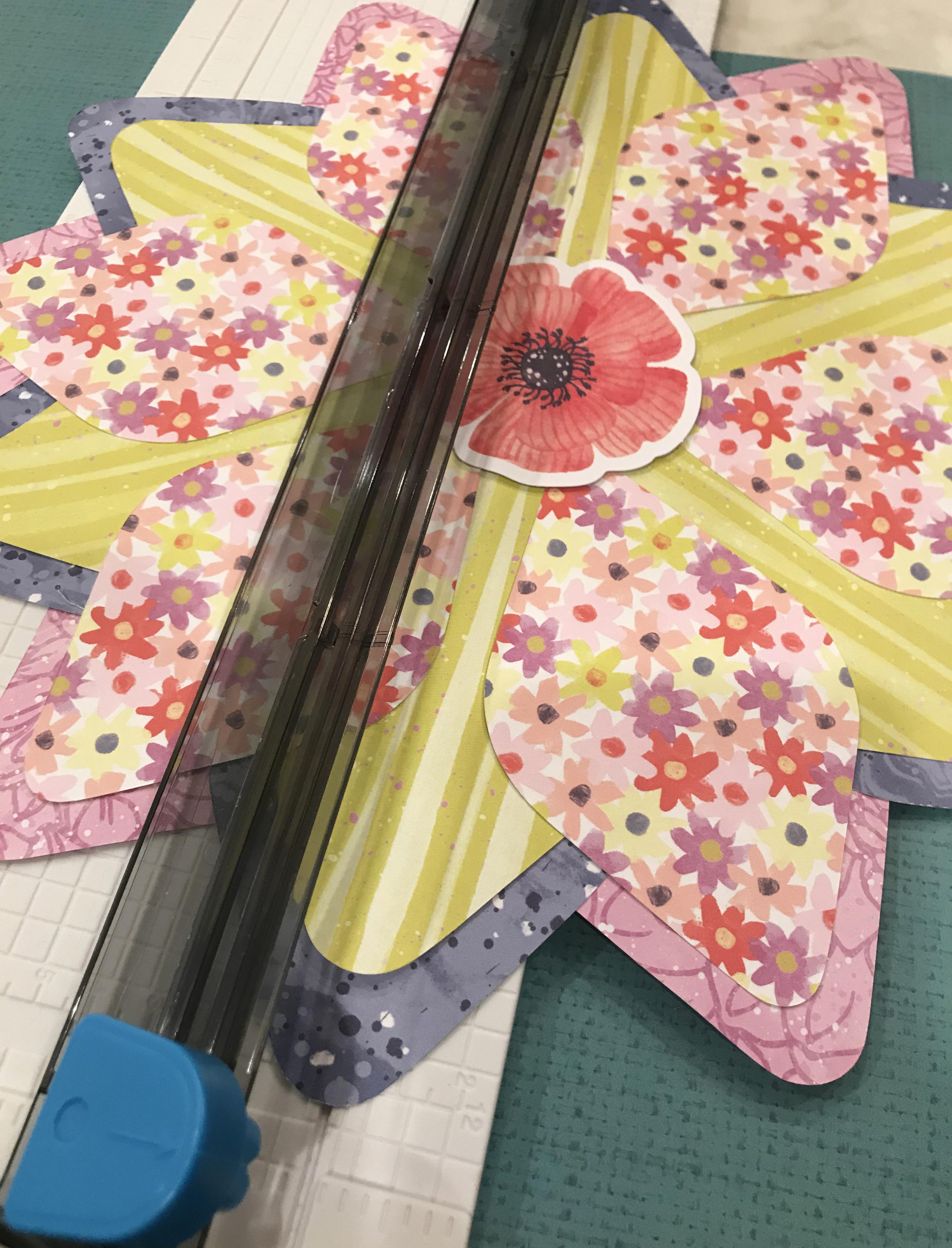 Flower-Scrapbok-Layout-Gemstone-Patterns-Sketch-Creative-Memories2