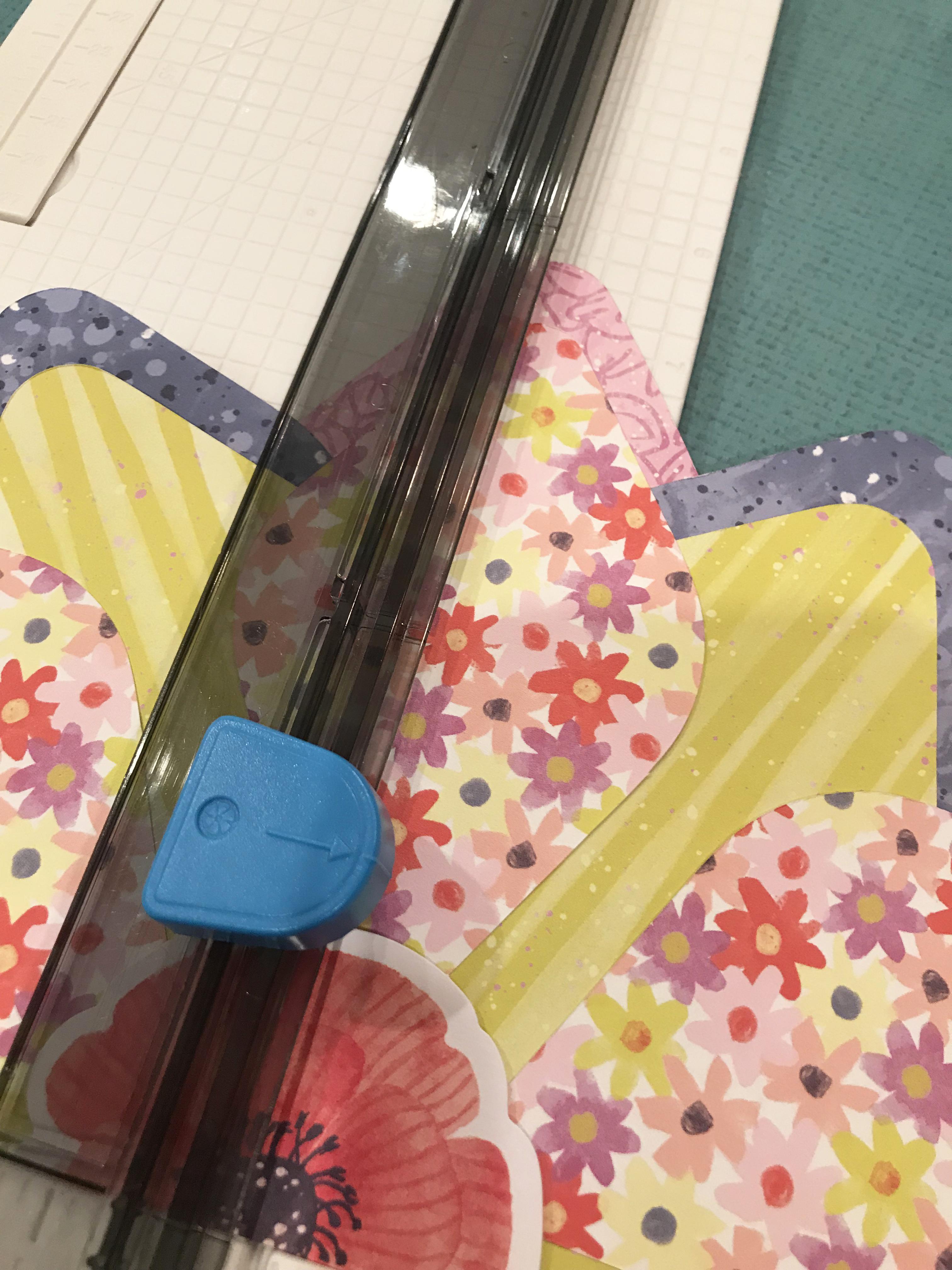 Flower-Scrapbok-Layout-Gemstone-Patterns-Sketch-Creative-Memories4