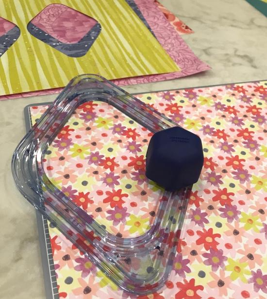 flower-scrapbok-layout-gemstone-patterns-sketch-creative-memories71-e1522876847658.jpeg